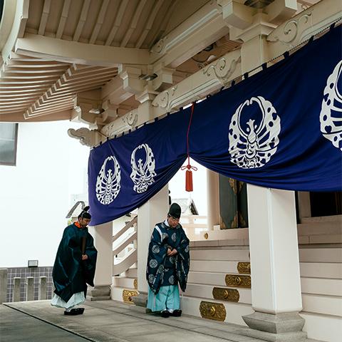 春季大祭 / <small>Photo: 内田伸一郎</small>